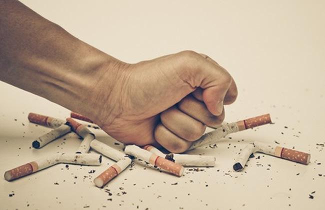 להפסיק לעשן לבד